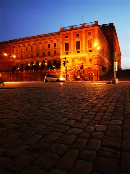 スウェーデンの国会議事堂です。20世紀はじめに建てられた石造りの重厚なつくりの建物です