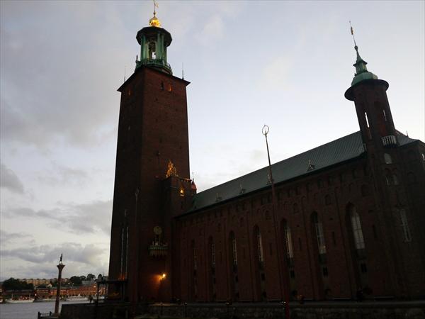 ノーベル賞受賞者の晩餐会の開かれるストックホルム市庁舎です。高さ106mの塔には上ることができてストックホルム市内を一望できます(有料)。