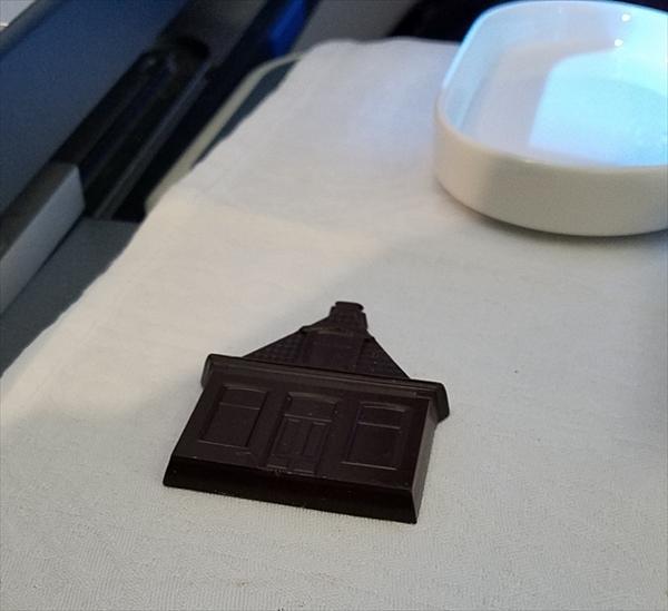 KLMオランダ航空ビジネスクラスのフライト中に出されたチョコレート
