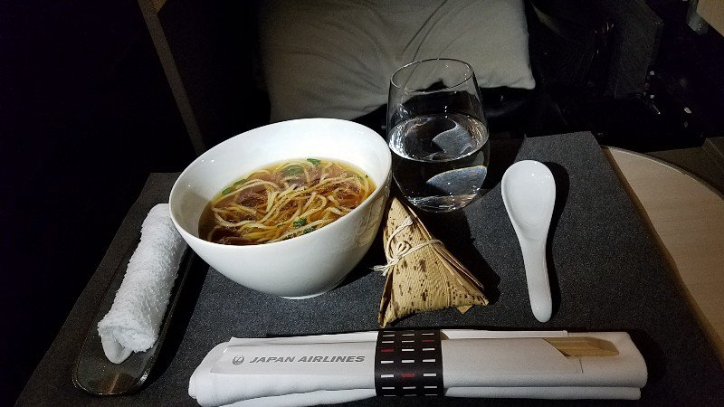 JAL機内で提供されたラーメン